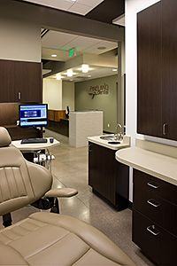 Treatment Room cabinets and counters Clinic Design, Healthcare Design, Dental Office Decor, Dental Offices, Office Design Concepts, Office Designs, Office Color Schemes, Colour Schemes, Optometry Office