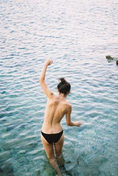 Resumindo: estar sozinho é triste, enche o saco dos outros e deve fazer mal para a saúde - #beach #mar #vida #alegria #feliz #agua #ocean