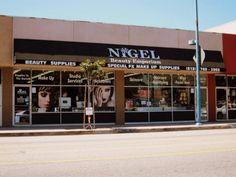 Nigel's Beauty Emporium em LA. Artigos profissionais de beleza para perder a cabeça! - Truques de Maquiagem / Paola Gavazzi