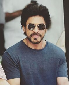Another pic of Shahrukh