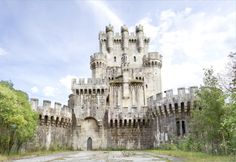 Ever dream of owning a Spanish Castle? Now you can! Bidding has started at only $4.5 million. It looks A-MAZ-ING!!!!