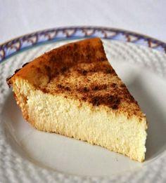 soft cheese pie recipe (with honey and cream cheese) Honey Bun Cake, Honey Pie, Honey And Cinnamon, Honey Lemon, Honey Recipes, Greek Recipes, Honey Apple Cake Recipe, Ricotta, Mizithra Cheese
