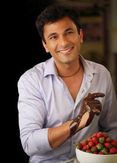 Despite the numerous accolades bestowed on Michelin star chef Vikas Khanna, he is just a humble man from Punjab - He chats with our very own Vidushi Talwar - Yahoo! India Lifestyle