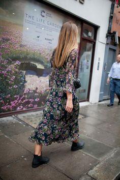 オーバーサイズなウエアがパンクの主役 2017年春夏ロンドン・ファッション・ウイーク ストリートスナップ   WWD JAPAN.com