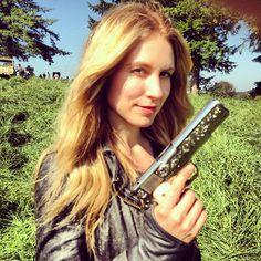 Shiny new season, shiny new guns. #maggie #fallingskies #getit via @sanguin_carter   Falling Skies