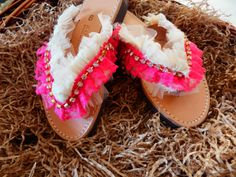 Flats, Sandals, Type 1, Ugg Boots, Moccasins, Theater, Uggs, Facebook, Shoes