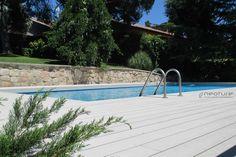 Tarima piscina en madera tecnológica. Mod. NeoTeck Sand. http://www.neoture.es/productos/tarimas/neoteck/