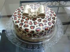 bolos decorados com pasta americana de oncinha - Pesquisa Google