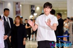 2016 June 29 (Wed) | #ActorLeeMinHo | #LeeMinHo | #Korean #Actor #HallyuStar | #ASIA Most Popular #IDOL| Fan Sign |#Autograph | #Minoz | #GoodBase |#Korea #Ginseng | KGC | #Chokeberry | #Blueberry | #Pomegranate | #Pear | P06 of P08 |(Source: TV Report  | Facebook |    [https://www.facebook.com/tvrnews/photos/ms.c.eJxFzNkNwEAIA9GOIjCYo~;~;GopA9fp88VpinRUqQlW2PbuhqKOKCAfSQDZWT5FlU~;cALkzgWpPA7ldYDPQn9BU4LG4g~-.bps.a.1234736659892131.1073742314.392457514120054/1234736703225460/?type=3&theater]