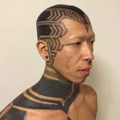 26 Reasons You Should Never Get A Tattoo Black Ink Tattoos, Boy Tattoos, Large Tattoos, Black And Grey Tattoos, Tattoos For Guys, Tatoos, Bald Head Tattoo, Head Tattoos, Sleeve Tattoos