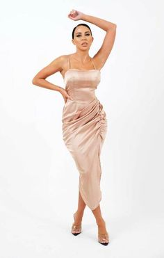 Vestido maxi de cetim com franzido champanhe strappy bodycon - Arabella Satin Dresses, Satin Jumpsuit, Satin Top, Satin Blouses, Spring Sale, Two Piece Skirt Set, Slay, Mini Bag, Champagne