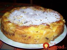 Rýchly jabĺčnik s orechami a škoricou. Apple Dessert Recipes, Köstliche Desserts, Delicious Desserts, Cake Recipes, Snack Recipes, Cooking Recipes, Yummy Food, Croatian Recipes, Hungarian Recipes