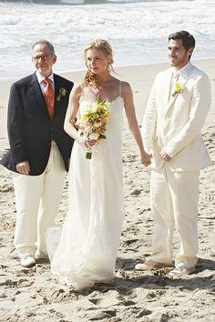 Google Image Result for http://www.usmagazine.com/uploads/assets/photo_galleries/regular_galleries/1674-celebrity-wedding-dresses-tv-and-movies/photos/1337290544_20-brothersandsisters-560.jpg