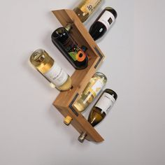 New rustic wood crafts furniture wine racks Ideas Wood Pallet Wine Rack, Wood Wine Racks, Diy Wine Racks, Wooden Wine Holder, Wine Rack Cabinet, Wine Rack Wall, Corner Wine Rack, Hanging Wine Rack, Woodworking Projects Diy