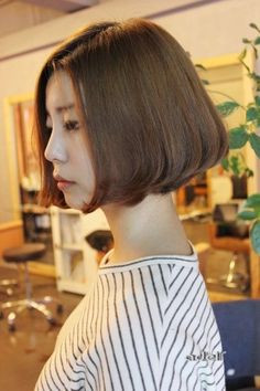 40 Ideas Hair Cuts Short Bobs Korean For 2019 Face Shape Hairstyles, Short Hairstyles For Women, Straight Hairstyles, Girl Hairstyles, Asian Hairstyles, Hairstyles Haircuts, Girl Short Hair, Short Hair Cuts, Short Hair Styles