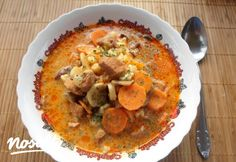Menu Planning, Cheeseburger Chowder, Hummus, Thai Red Curry, Food And Drink, Favorite Recipes, Ethnic Recipes, Soups, Baba