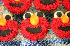 Elmo Cupcakes (tutorial)
