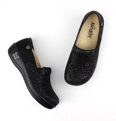 Alegria Shoes - Keli Black Embossed Paisley Professional Nursing Shoe, $119.95 (http://www.alegriashoes.com/products/keli-black-embossed-paisley-professional-nursing-shoe.html)