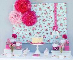 Um painel, um bolo, algumas balas e alguns suportes.... Inspiração via Pinterest! #finabossa