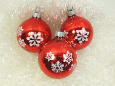 Vintage Red Glass Ball Ornaments, Stenciled White Snowflake Motif Christmas Ornaments, USA by on Etsy Vintage Ornaments, Ball Ornaments, White Snowflake, Snowflakes, Christmas Bulbs, Christmas Decorations, Holiday Decor, Glass Ball, Vintage Ephemera