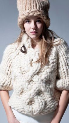 Knitwear Fashion, Knit Fashion, Thick Sweaters, Sweaters For Women, Big Knits, Gown Pattern, Knitting Designs, Pulls, Divas