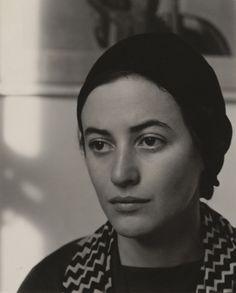 Dorothy Norman by Alfred Stieglitz 1931 Alfred Stieglitz, Photo Portrait, Female Portrait, Portrait Photography, Vintage Photographs, Vintage Photos, Norman, Indira Ghandi, Foto Face