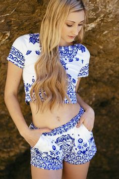 Retro Floral Print Short Sleeve T-Shirt And Shorts Suit BLUE AND WHITE: Shorts | ZAFUL