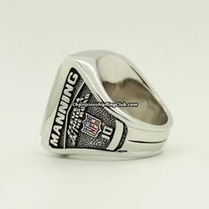 2007 New York Giants Super Bowl XLII Championship Ring.Best gift from www.championshipringclub.com for  Giants fans. Custom your  ring now!