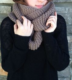 Cable Knit Infinity Scarf (Light Taupe) – Muse Social Fashion House | Women's Fashion | Boutique | Vancouver
