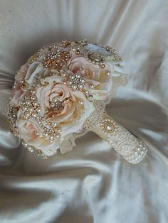 Items similar to ROSE GOLD Brooch Bouquet - DEPOSIT for a Custom Blush Pink Brooch Bouquet with Gold and Rose Gold Brooches and Accents, full price 485 on Etsy Broschen Bouquets, Gold Bouquet, Bridal Brooch Bouquet, Wedding Bouquets, Wedding Flowers, Bouqets, Flower Brooch, Vintage Bridal Bouquet, Purple Bouquets