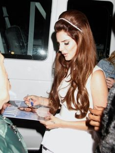 Lana Del Rey's 60s-esque hair-do