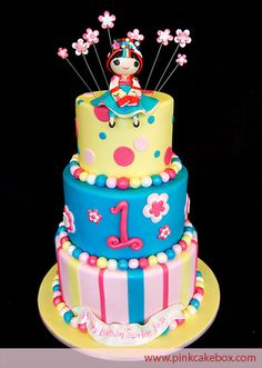 "I want to learn how to do this!!!!  Is that a baby geisha girl?????  Whose idea was that?........""For my daughters 1st Bday, I would like a beautiful cake with a japanese concubine on top please!!"""