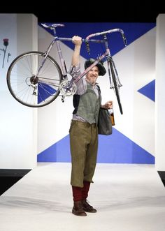 Matthew Modine, bike enthusiast and committed to sustainability. Nice pants!