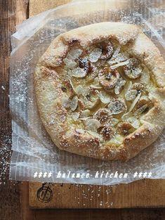 バター不要・型なし。バナナカスタードタルト by 河埜 玲子 「写真がきれい」×「つくりやすい」×「美味しい」お料理と出会えるレシピサイト「Nadia   ナディア」プロの料理を無料で検索。実用的な節約簡単レシピからおもてなしレシピまで。有名レシピブロガーの料理動画も満載!お気に入りのレシピが保存できるSNS。