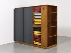 Armoire, ca. 1956-59 de Charlotte Perriand & Le Corbusier - Galerie Patrick Seguin
