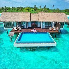 MALDIVAS.  As Ilhas Maldivas é realmente um destino perfeito para passar a Lua de Mel com seu amor! Marque quem você levaria  #maldivas #honeymoon #luademel #maldives #luxo #lunademiel #luxury #luxuryresort #luxwt #paradise #Love #beach #praia #wedding #casamento #amor #noivas #noiva #bride #bungalow #travel  #noivado #trip #viagem #mar #sea #sun #wanderlust #ferias #paraiso