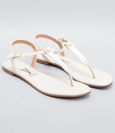 Toe Ring Sandals, Shoes Flats Sandals, Toe Rings, Flat Sandals, Girls Shoes, Fashion Bags, Brides, Flip Flops, Vintage Fashion