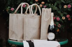 Elegant Burlap Tote Bags for weddings and events. Excellent gift packaging for special occasions that demand extra special touches.