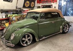Classic Car News Pics And Videos From Around The World Volkswagen Convertible, Vw Cabriolet, Volkswagen Type 3, Vw Cars, Car Covers, Cute Cars, Car Wheels, Vw Beetles, Antique Cars