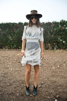 Love this boho festival look Festival Mode, Festival Looks, Festival Fashion, Festival Style, Boho Festival, Festival Outfits, Bohemian Mode, Bohemian Style, Outfit 2016