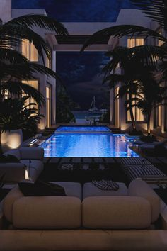 Luxury Living Archives - Page 8 of 10 - Luxury Decor - Luxury Homes Dream Home Design, My Dream Home, House Design, Dream Life, Garden Design, Luxury Penthouse, Luxury Apartments, Piscina Interior, Dream Mansion