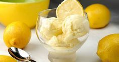 For all lemon lovers is a special dessert of lemon ice cream filled with cream and tangy taste of lemon juice. Lemon Gelato Recipes, Ice Cream Recipes, Frozen Desserts, Frozen Treats, Pasteles Light, Lemon Ice Cream, Greek Sweets, Delicious Desserts, Sweet Tooth