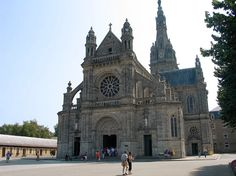 Just north of the town of Auray, south Bretagne, Sainte-Anne d'Auray has a large basilica dedicated to St. Anne and classified as historical monuments. Built by Edward Deperthes, it shows the importance of the Christian faith in Bretagne.