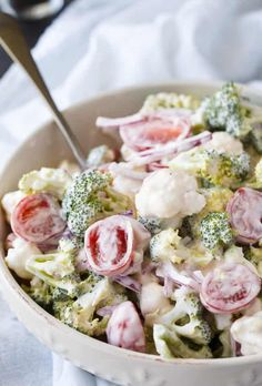 Christmas Salad – Sheila Romine Christmas Salad Christmas Salad – Contains all the colors of Christmas! This fresh, bright salad is made with broccoli, cauliflower, red onion and cherry tomatoes mixed with a creamy dressing. Christmas Salad Recipes, Holiday Recipes, Christmas Dinners, Red Christmas, Christmas Dinner Sides, Christmas Appetizers, Cooking Recipes, Healthy Recipes, Delicious Recipes