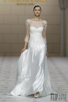Pronovias Collezione 2015 - Sposa - http://it.flip-zone.com/fashion/bridal/the-bride/pronovias-4739