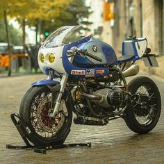 """Pepo Rosell of XTR Pepo has turned another stunner. This time it's a 1992 BMW endurance racer. The bike is nicknamed """"Don Luis."""" Says Pepo: About the name of the bike, this is the […] Source: BMW Cafe Racer by XTR Pepo Bike Bmw, Cafe Bike, Moto Bike, Bmw Scrambler, Bmw Motorbikes, Bmw Motorcycles, Vintage Motorcycles, Custom Motorcycles, Bmw Boxer"""