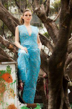 macacão de papel Iáskara Isadora  Foto: Nilson Domingos #sacodecimento #reciclagem #tingimentonatural #sustentabilidade #paperdress