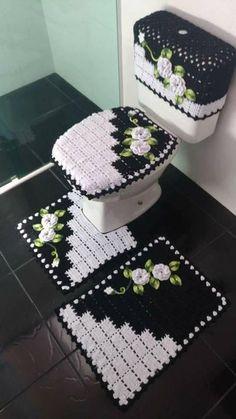 Venha deixar sua casa mais bonita com essas lindas novidades em crochê ! Crochet Flower Patterns, Crochet Doilies, Crochet Flowers, Crochet Stitches, Valentine Baskets, Beaded Banners, Crochet Market Bag, Crochet Table Runner, Crochet Bookmarks