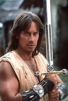 I see your Betty White and raise you Hercules who plays Kevin Sorbo Hercules Kevin Sorbo, Michael Hurst, Hercules The Legendary Journeys, Minnesota, Evil Stepmother, Libra Man, Xena Warrior Princess, Betty White, Actrices Hollywood