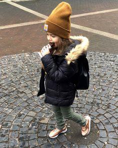 413 отметок «Нравится», 3 комментариев — Street Style Fashion KIDS (@streetstyle_kids) в Instagram: «Keep it stylish in a rainy weekend day 😍 @fashion_aiola and that #kinderchocolate ❤❤❤ #weekend…»